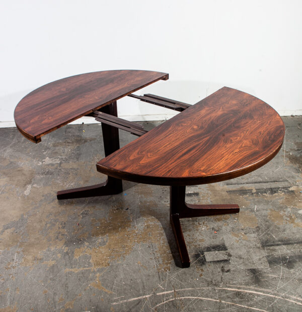 Mid Century Danish Modern Dining Table Rosewood Moreddi Extension x2 Round NM