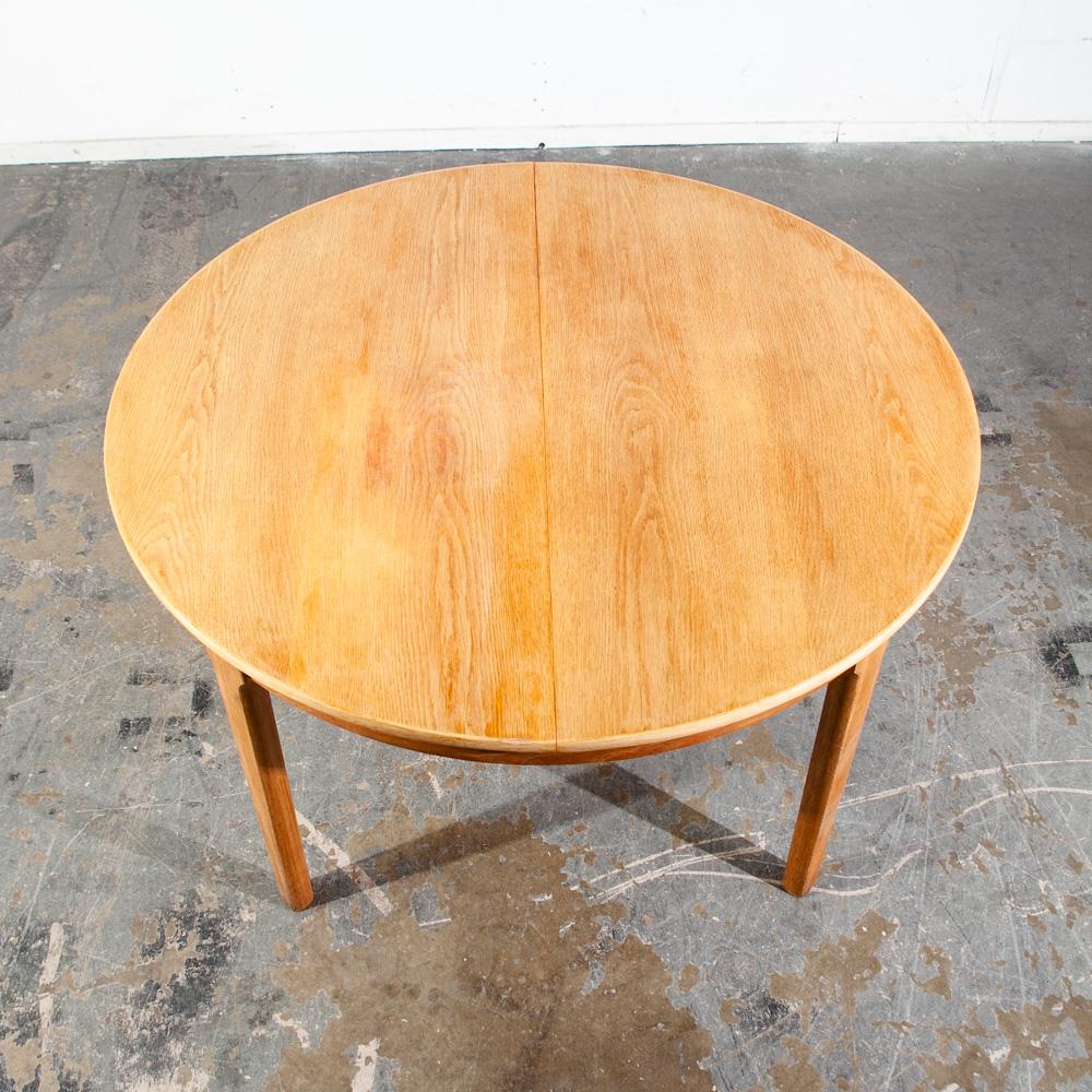 Mid Century Danish Modern Dining Table Oak Round Denmark Butterfly leaf x9  Mcm